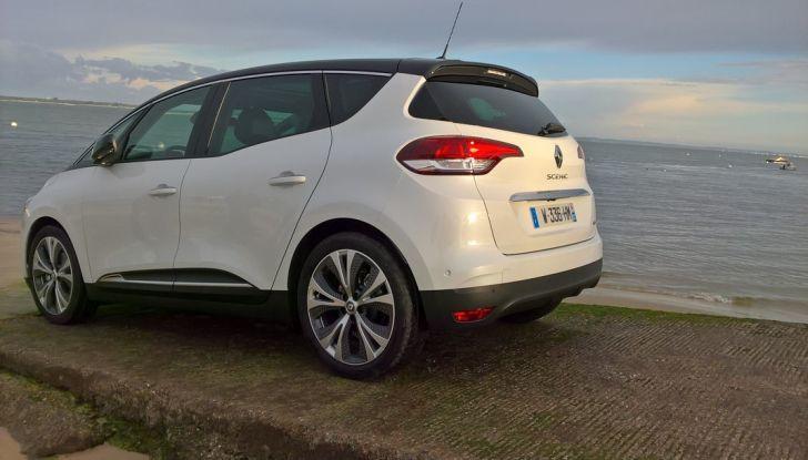 Test drive Nuova Renault Scenic 5 posti e 7 posti - Foto 10 di 35