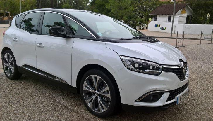 Test drive Nuova Renault Scenic 5 posti e 7 posti - Foto 3 di 35
