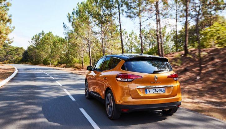 Test drive Nuova Renault Scenic 5 posti e 7 posti - Foto 12 di 35