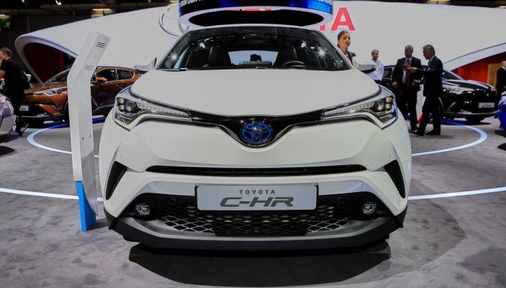Toyota C-HR Trend disponibile con 2WD e 4WD - Foto 2 di 14