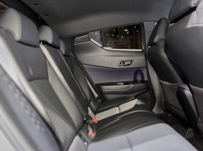 Toyota C-HR - Foto 10 di 14