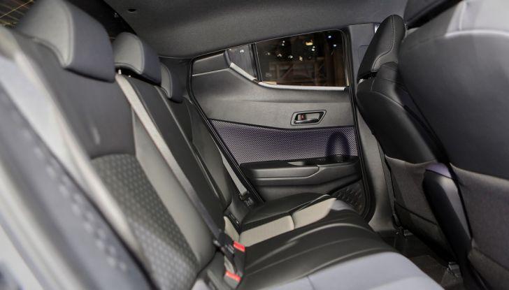 Toyota C-HR Trend disponibile con 2WD e 4WD - Foto 10 di 14