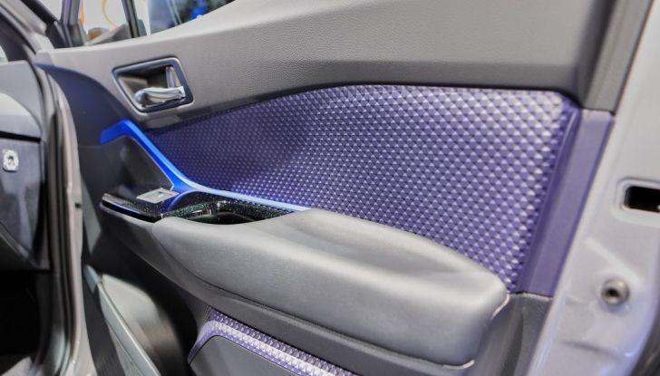 Toyota C-HR Trend disponibile con 2WD e 4WD - Foto 11 di 14