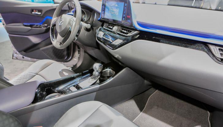 Toyota C-HR Trend disponibile con 2WD e 4WD - Foto 12 di 14