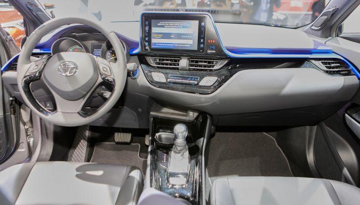 Toyota C-HR Trend disponibile con 2WD e 4WD - Foto 13 di 14