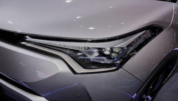 Toyota C-HR Trend disponibile con 2WD e 4WD - Foto 5 di 14