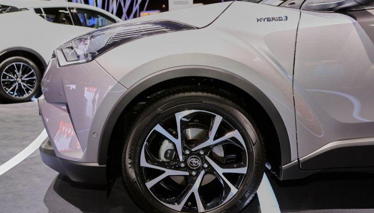 Toyota C-HR Trend disponibile con 2WD e 4WD - Foto 6 di 14