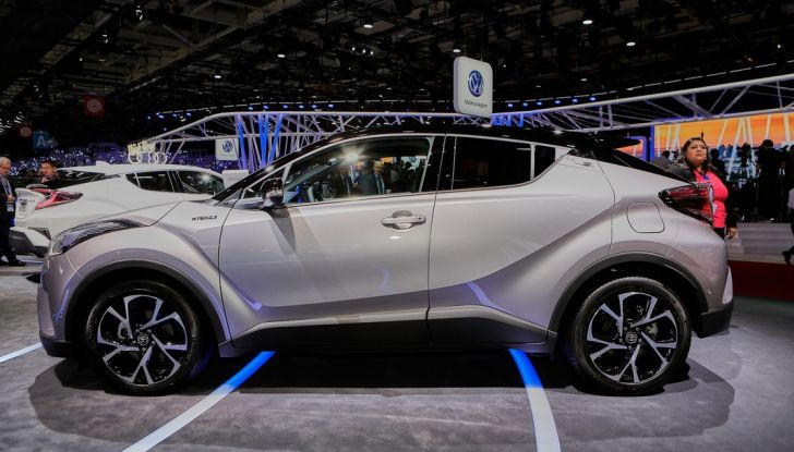 Toyota C-HR Trend disponibile con 2WD e 4WD - Foto 1 di 14
