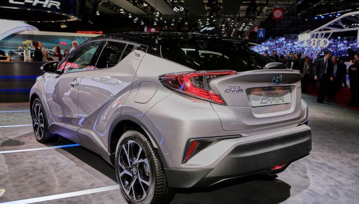 Toyota C-HR Trend disponibile con 2WD e 4WD - Foto 3 di 14