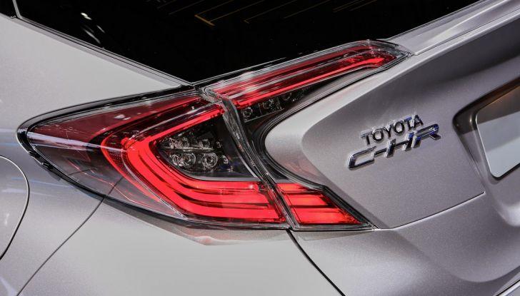 Toyota C-HR Trend disponibile con 2WD e 4WD - Foto 7 di 14