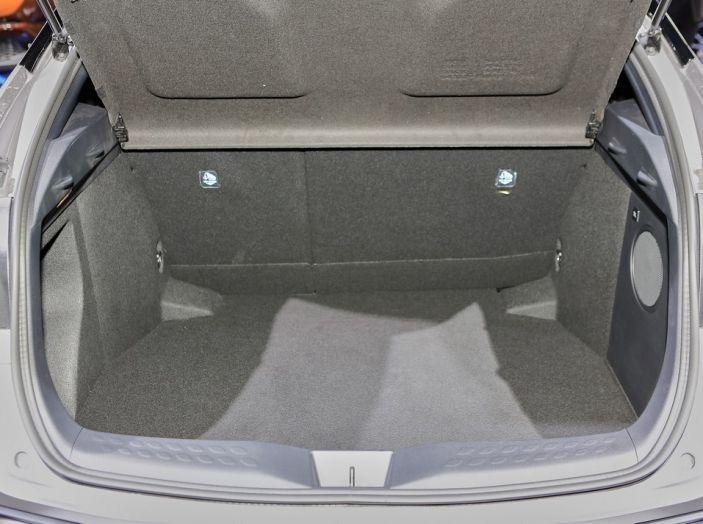 Toyota C-HR - Foto 9 di 14