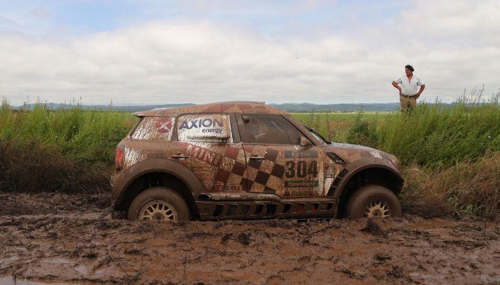 Consigli: i 5 modi per uscire dal fango con l'auto impantanata - Foto 1 di 8