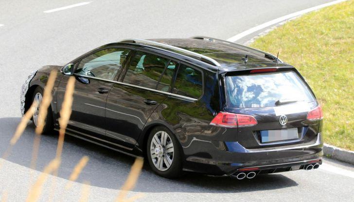 Volkswagen Golf VII R Variant Facelift prime foto spia - Foto 10 di 14
