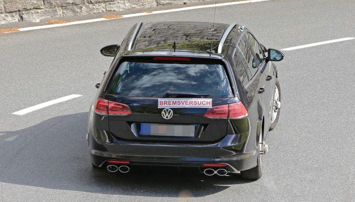 Volkswagen Golf VII R Variant Facelift prime foto spia - Foto 11 di 14