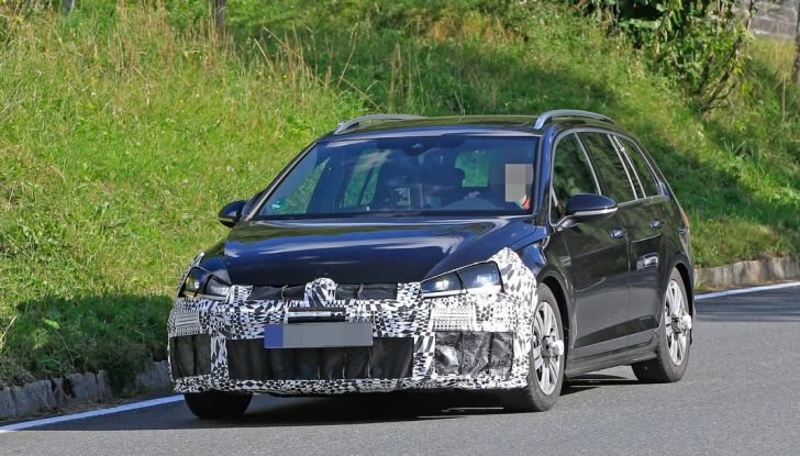 Volkswagen Golf VII R Variant Facelift prime foto spia - Foto 14 di 14