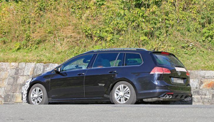 Volkswagen Golf VII R Variant Facelift prime foto spia - Foto 5 di 14