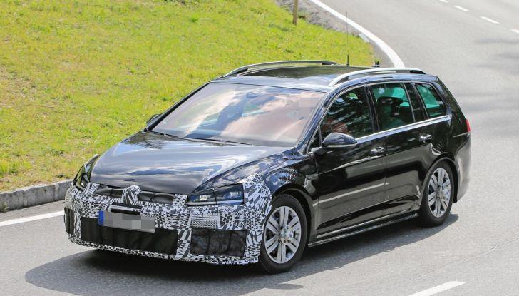 Volkswagen Golf VII R Variant Facelift prime foto spia - Foto 8 di 14