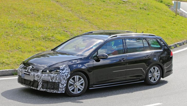 Volkswagen Golf VII R Variant Facelift prime foto spia - Foto 1 di 14