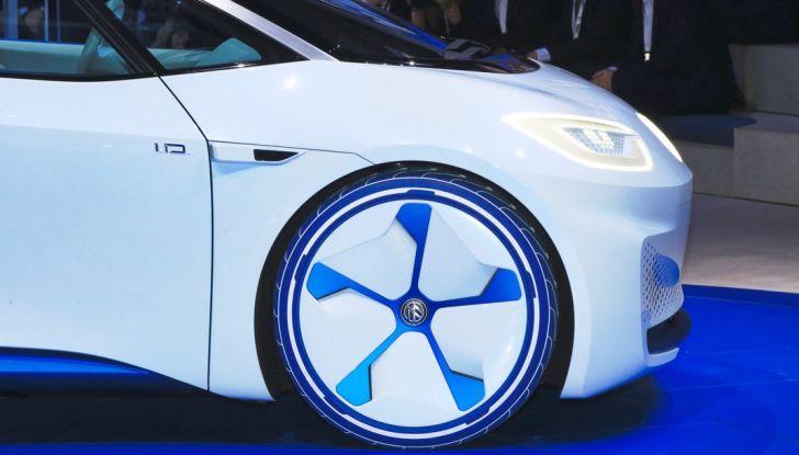 Volkswagen ID.3 2020: l'auto elettrica per tutti è Made in Germany - Foto 9 di 15