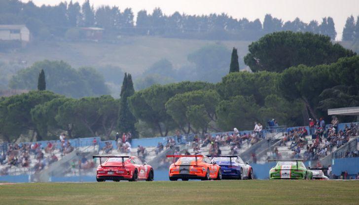 A Vallelunga Mattia Drudi si aggiudica la terza gara della Carrera Cup Italia - Foto 4 di 8
