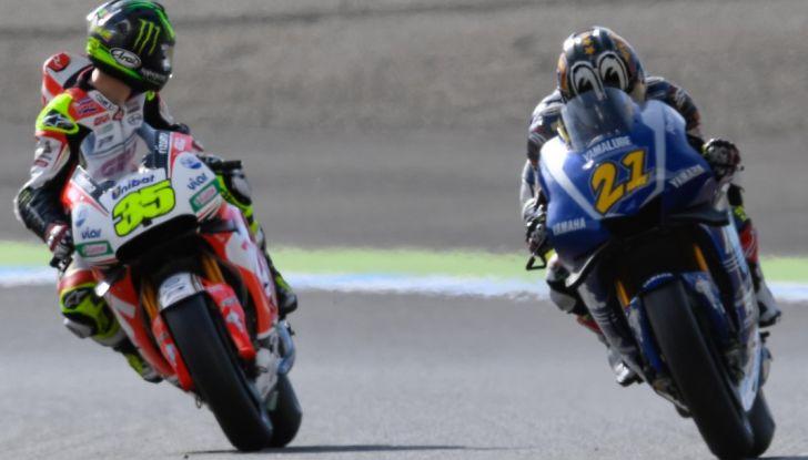 Risultati MotoGP 2016, Motegi: Lorenzo e Rossi out, Marquez è campione del mondo - Foto 13 di 33