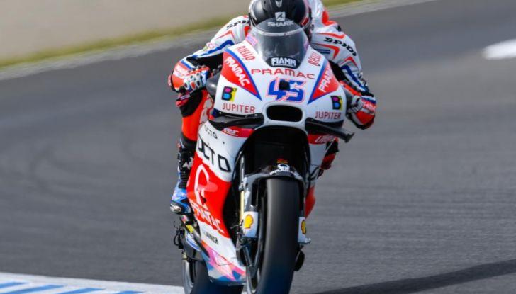 Risultati MotoGP 2016, Motegi: Lorenzo e Rossi out, Marquez è campione del mondo - Foto 22 di 33