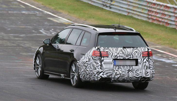 Nuova Volkswagen Golf VII R Variant 2018, foto spia al Ring - Foto 8 di 18