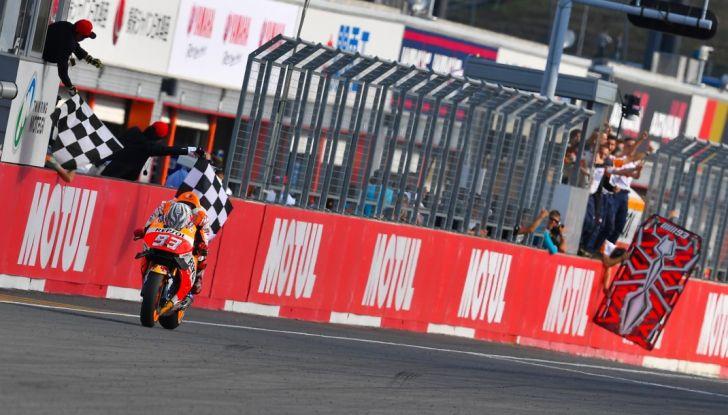 Risultati MotoGP 2016, Phillip Island: pole a Marquez, Rossi partirà dalla quinta fila - Foto 3 di 14