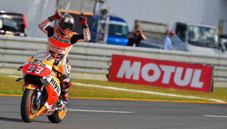 Risultati MotoGP 2016, Phillip Island: pole a Marquez, Rossi partirà dalla quinta fila - Foto 2 di 14