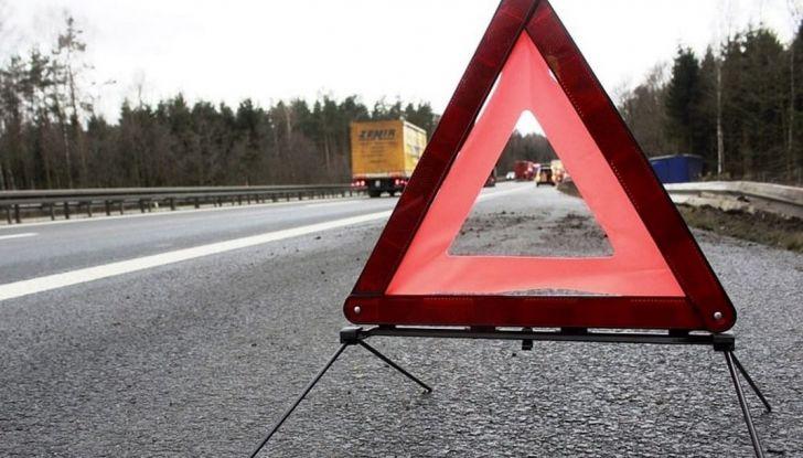 Auto in panne in autostrada: come comportarsi e cosa fare - Foto 6 di 7