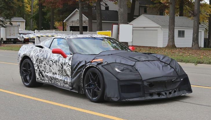Nuova-Chevrolet-Corvette-C7-ZR1-prime-foto-spia