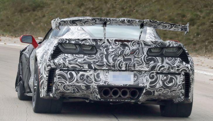 Nuova Chevrolet Corvette C7 ZR1, le prime foto spia - Foto 17 di 35