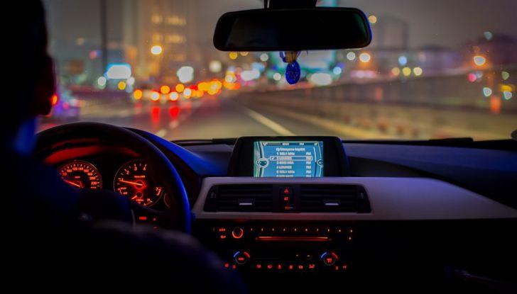 Consigli per prevenire i colpi di sonno alla guida - Foto 1 di 6