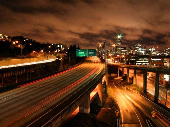 Come guidare di notte, consigli e accorgimenti - Foto 4 di 6