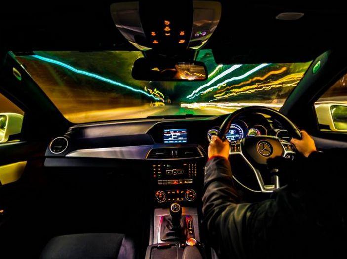 Come guidare di notte, consigli e accorgimenti - Foto 2 di 6