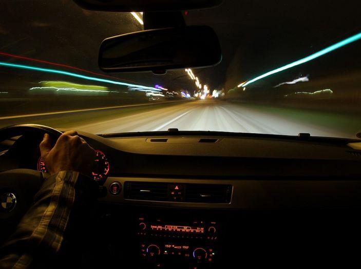 Come guidare di notte, consigli e accorgimenti - Foto 6 di 6
