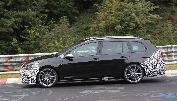 Nuova Volkswagen Golf VII R Variant 2018, foto spia al Ring - Foto 5 di 18