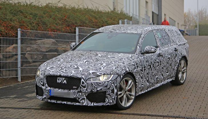 Jaguar XF S Sportbrake prime foto spia della nuova generazione della wagon sportiva - Foto 6 di 16