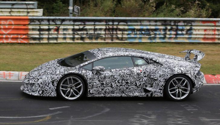 Lamborghini Huracan Superleggera, foto spia delle modifiche del frontale - Foto 14 di 14