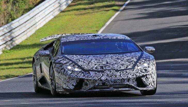 Lamborghini Huracan Superleggera, foto spia delle modifiche del frontale - Foto 2 di 14