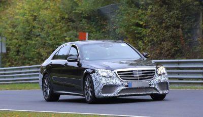 Mercedes AMG S63 Facelift nuove foto spia dei test su pista