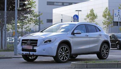 Nuova Mercedes GLA, le prime foto spia dei test autunnali