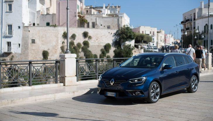 Nuova Renault Megane Sporter prova su strada, prezzi e motorizzazioni - Foto 7 di 56