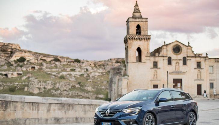 Nuova Renault Megane Sporter prova su strada, prezzi e motorizzazioni - Foto 9 di 56