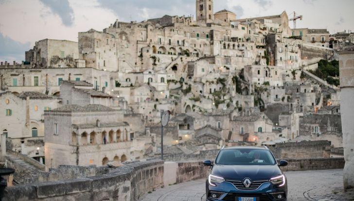 Nuova Renault Megane Sporter prova su strada, prezzi e motorizzazioni - Foto 17 di 56