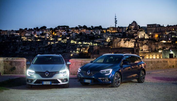Nuova Renault Megane Sporter prova su strada, prezzi e motorizzazioni - Foto 24 di 56