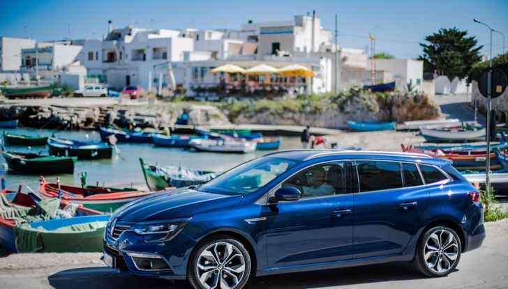Nuova Renault Megane Sporter prova su strada, prezzi e motorizzazioni - Foto 25 di 56