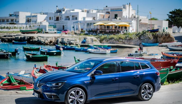 Nuova Renault Megane Sporter prova su strada, prezzi e motorizzazioni - Foto 27 di 56
