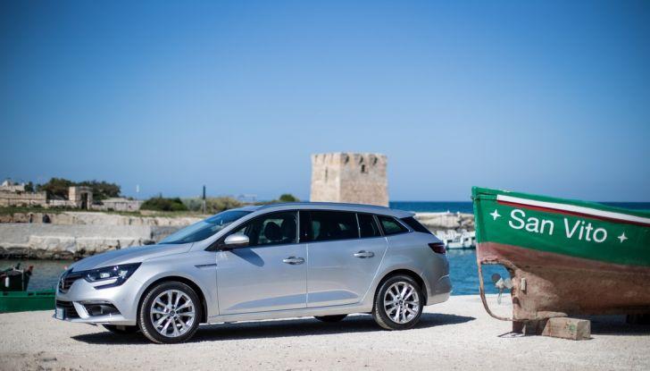 Nuova Renault Megane Sporter prova su strada, prezzi e motorizzazioni - Foto 31 di 56