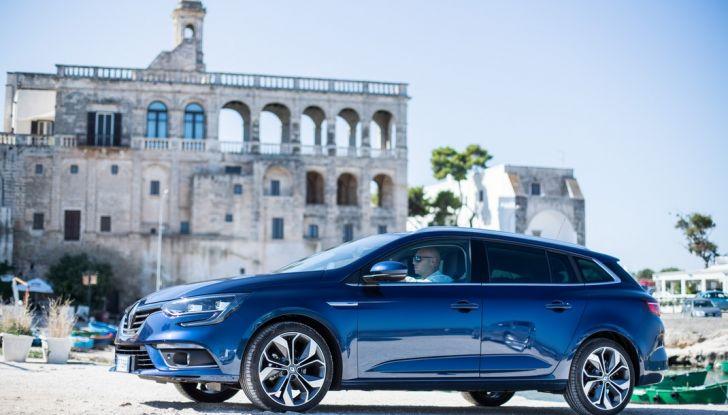 Nuova Renault Megane Sporter prova su strada, prezzi e motorizzazioni - Foto 37 di 56